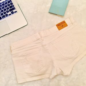 hollister • distressed white shorts